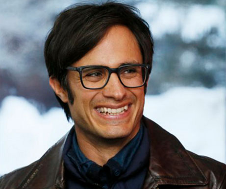 Gael Garcia Bernal with glasses | Tacky Harper's Cryptic Clues